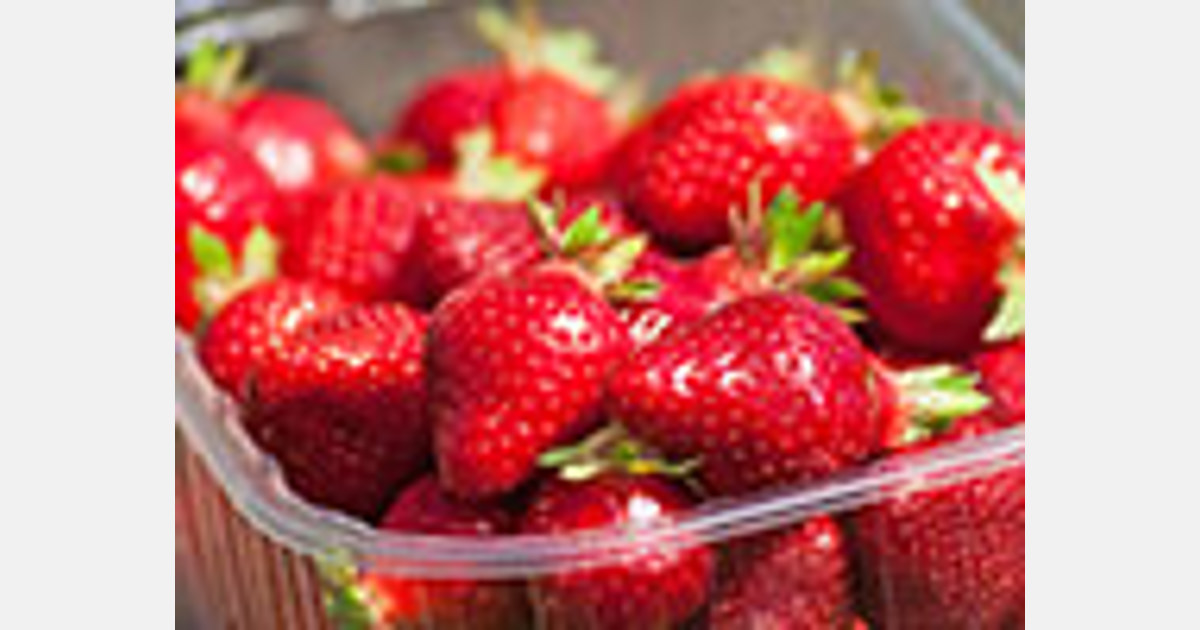 Carrefour group will put no strawberries on its shelves in January