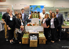 The whole team of the company NZ Gourmet Sonora, known for their green asparagus.