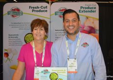 Karen Murphy and Eric Fernandes with NatureSeal proudly discuss fresh-cut solutions. The Fresh-Cut Produce Extender is now available for consumers on Amazon.