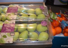 New topseal packaging for pears from the Star Group.