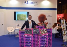 Yigit Gokyigit is Alanar's marketing Manager and was proud to present Turkey's figs along with the company's pomegranates.