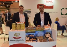 On the left is Marek Smuniewski and on the right is Antoni SKrajny. They displayed their mushrooms from Poland for Pieczarki Podlaskie.