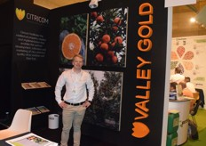 JP Barnard is the sales manager for Citricom. They were promoting their new citrus variety Valley Gold.