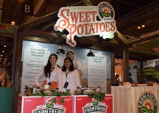 On the left is Diana Ramirez, responsible for the international sales for the American company Farm Fresh. On the right is Carla Belandria Espinosa, responsible for the European and Middel Eastern sales. The company offered visitors a wide variety of tasty snacks, prepared with their sweet potatoes.