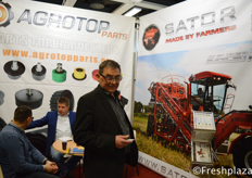 Georg Prasow from SATOR GmbH together with Tomasz Kaczmarek from Agrotop. Agrotop is a trading company that buys and sells products for vegetable farmers. The company is also the representative of Agrotop Parts which sells spare parts for agricultural machinery and sells SATOR machinery.