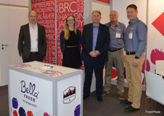 Jamie Sawday, Sian Jenks and Kevin Deans from Fruberry who were at the trade fair for the first time and had a very succesfull show pictured here with Steve Lewis and Herman Bosman from Morgan Cargo.