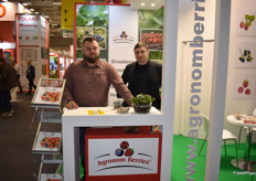 Daniel Oleksuik and Pawel Gierzsimiuk from Agronom Berries.