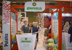 Anna Litwin and Monika Pluta from Ewa-bis. This Polish company deals mostly in apples, both conventional and organic ones.