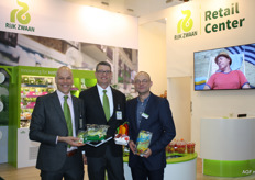 Jan Doldersum with the new Snack Lettuce, Andreas Muller and David Perie.