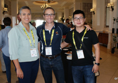 Idalette Olivier and Kevin Terblanche of the Sundays River Citrus Company with Neil Wan of Ningbo Xianfeng Fruit.