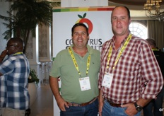 Phillip Dempsey of Orange Chain with Conrad Vorster of Mouton Citrus.
