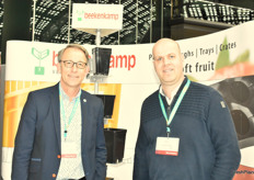 Aart Jan Bos from Beekenkamp and Marc van Gennip fromGenson Soft Fruit Plants, Aart had new tubs for growing blueberries, 35 and 45 litre with a special bottom for great stacking to cut logistical costs.