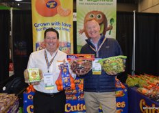 Proudly showing Cuties, kiwifruit and organic grapes are Howard Nager and Rob Kenney with Sun Pacific.