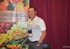 Marco Muoz with Greenyard/Seald Sweet shows seedless green grapes. The Mexican season is starting up for the company.