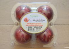 New clamshell packaging for Dulce Vida nectarines.