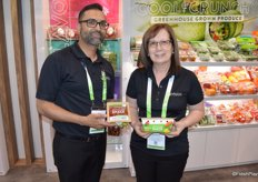 Ajit Saxena and Fernanda Albuquerque with Mucci Farms show the companys new Simple Snack packaging that is biodegradable and compostable.