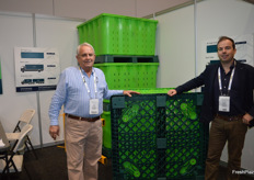 Ken Moras and Ronan McGuire from JRC Packing Solutions with a newly patented bin with a unique locking system.