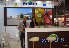 Zisis and Christina Manosis of Greek kiwi exporters Zeus.