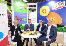 RK Growers and Dorì Europe secured an alliance for selling Dorì-branded kiwifruit. From the left: Daniela Ballatore, Paolo Carissimo and Kevin Auyeung.