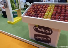 Melinda/La Trentina-branded apples.