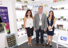 In the middle, Manuel Tornel of Itum grapes, Spanish company