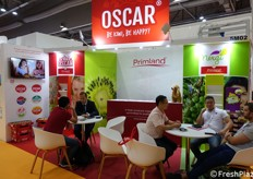 Work meeting in Oscar booth