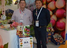 Sunland Fresh Fruit are one of the biggest stone fruit producers in Australia. Matt Davis - Sunland Fresh Fruit with Rob Cathels