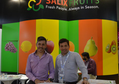 Juan Gonzales Pita and Mauricio Santos from Salix Fruits.