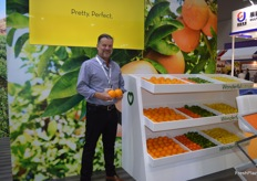 Gerhard Leodotter at the Wonderful Citrus stand.