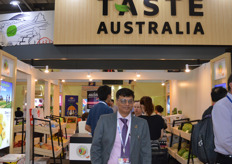 Bhavin Kadakia from the Australian Department of Trade and Investment brought 30 Buyers from from India to see what the Australian growers had to offer. There has been a big demand for Australian fruit in India.