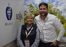 Karen Clearo and Martin O'Sullivan from Richard Hochfeld. The company has been exporting their fruit from Chile and Egypt to China for around three years.