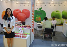 Lihong Liu from Sanmenxia Hong Fong Fruits and Vegetables Co., Ltd. Their company is a large producer of apples. They export them mostly to the South East Asian and Russian market.
