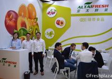 Mike Wang with his colleagues from Guangzhou Green Belt Food Co., Ltd. They trade their products under Altaifresh Limited. As a fresh fruit importer, exporter and distributor in China, Altaifresh imports various fruits from Australia, Chile, South Africa, Peru, New Zealand, Mexico, Spain, Egypt, Israel, etc.