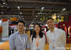 Tony Huang, Zee Ruan and Jaap Pees from FruitMax China. FruitMax China supplies the Chinese market with fruits from around the world. Their selected group of growers stands for top quality and are fully certified for China.