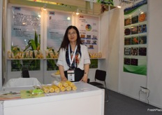 Mrs Qi Xiujuan from Zome Fruity Corn S&T Development Co., Ltd. Sweet corn is their main product.