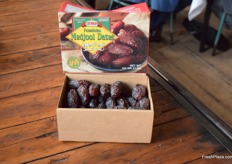 The two pound packaging of the Medjool Dates from the Palestine Date Company.