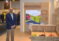 Omar Ali of FinBi. Unfortunately May Salem was unable to make it to Berlin, but Omar held the fort to showcase their brand Nates'nGrapes, consisting of grapes and pomegranates from Egypt.