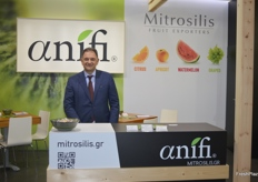 Christos Mitrosolis of Mitrosilis S.A.; they mainly export kiwis and recently upgraded their sorting machine equipment.