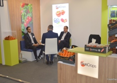 On the right is Tomasz Glaza of SunCrops, busy in a meeting. The Polish exporters deal in soft fruits and a variety of vegetables, like tomatoes and peppers.