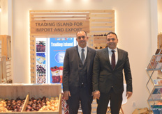 On the right is Mohamed El-Sheikh, Managing Director of Trading Island. They recently purchased their second onion sorting machine from a Dutch company and are looking forward to the 2020 season.