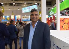 Nagesh Shetty from Deccan produce in India was visiting the show.
