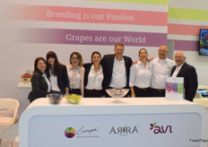 The team of Grapa promoting the Arra varieties