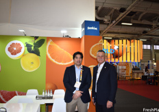 Ray Mizutani (Director of International Sales) and Gerald Denni (Chairman of the Board) of Sunkist.