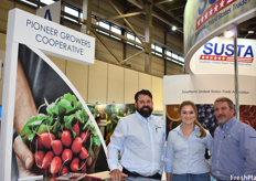 Steward Mann, Caroline Hopkins, and Scott Wilkins of Pioneer Growers. The company's newest product is hydroponically grown lettuce, which is destined both for the US domestic market and export. This lettuce will be available year-round.