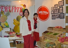 Java Fresh provides natural exotic tropical fruits from Indonesia. Ms Swasti Adicita Karim (left) and Ms Margareta Astaman (right) are very happy to bring their tasty fruits to Fruit Logisitca.