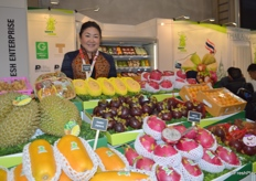The marketing director Mrs Vipawalee Watjanapinyo of Siam Fresh Enterprise Co., Ltd is very happy that she has received many quality visitors during the past few days. The company exports a variety of tropical fruits from Thailand.
