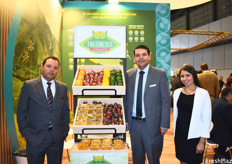 Gilbert Reyes, Luis Alberto Reyes, and Andrea Catalina Tapias of Frutireyes. After years of growth, the company noticed that the demand for physalis is Europe stabilized in the past 2-3 years.