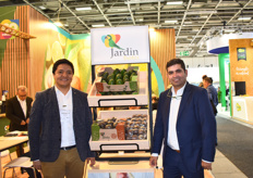 Juan Pablo Ramírez Cardenas and Pedro Pablo Diaz Pérez of Jardin Exotics. The company's logo is representative of their commitment to sustainability and equitability.
