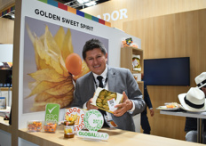 Dennis Brito Madrid, CEO of Golden Sweet Spirit. The company presents their goldenberries in two main formats: one in a carboard box with their leaves on, which extends shelf-life, and peeled in a clamshell for consumer convenience. They have just begun exporting to the U.S. market at the end of 2019.