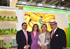 Hugo Alfredo Castro, Gina Castro, Alfredo Castro and Gina Alvear de Castro of Gina Fruit. This Ecuadorian company has been producing bananas for four generations and works with customized boxing and packaging styles for a competitive edge.